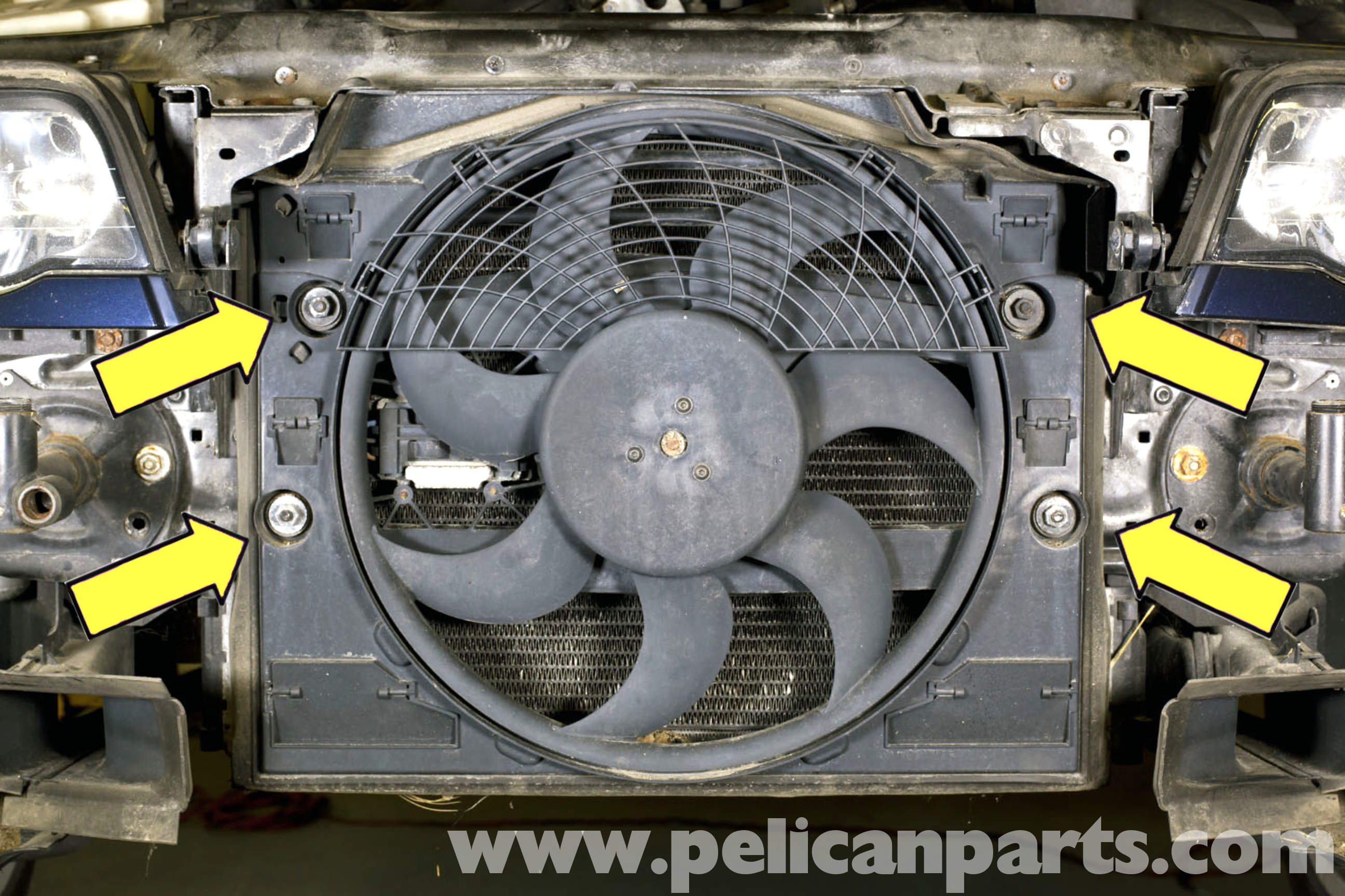 pic14 bmw e46 cooling fan replacement bmw 325i (2001 2005), bmw 325xi e46 fan wiring diagram at readyjetset.co