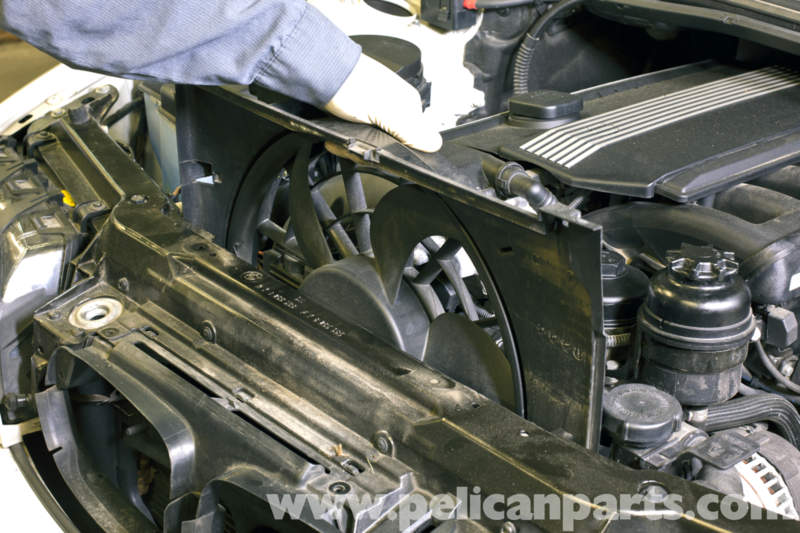 BMW E46 Cooling Fan Replacement BMW 325i 20012005 BMW 325Xi