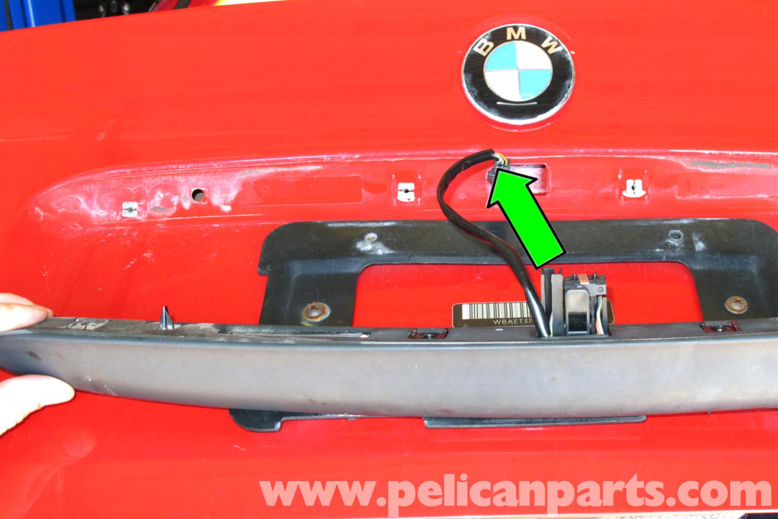 bmw e46 trunk release button replacement bmw 325i 2001 2005 bmw rh pelicanparts com 2005 BMW 325I Sport Interior 2005 BMW 325I Interior