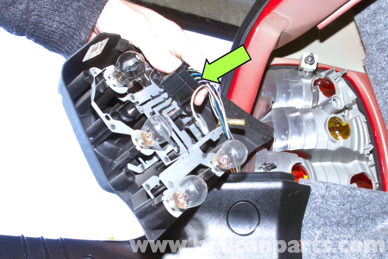Bmw E46 Rear Tail Light Replacement Bmw 325i 2001 2005