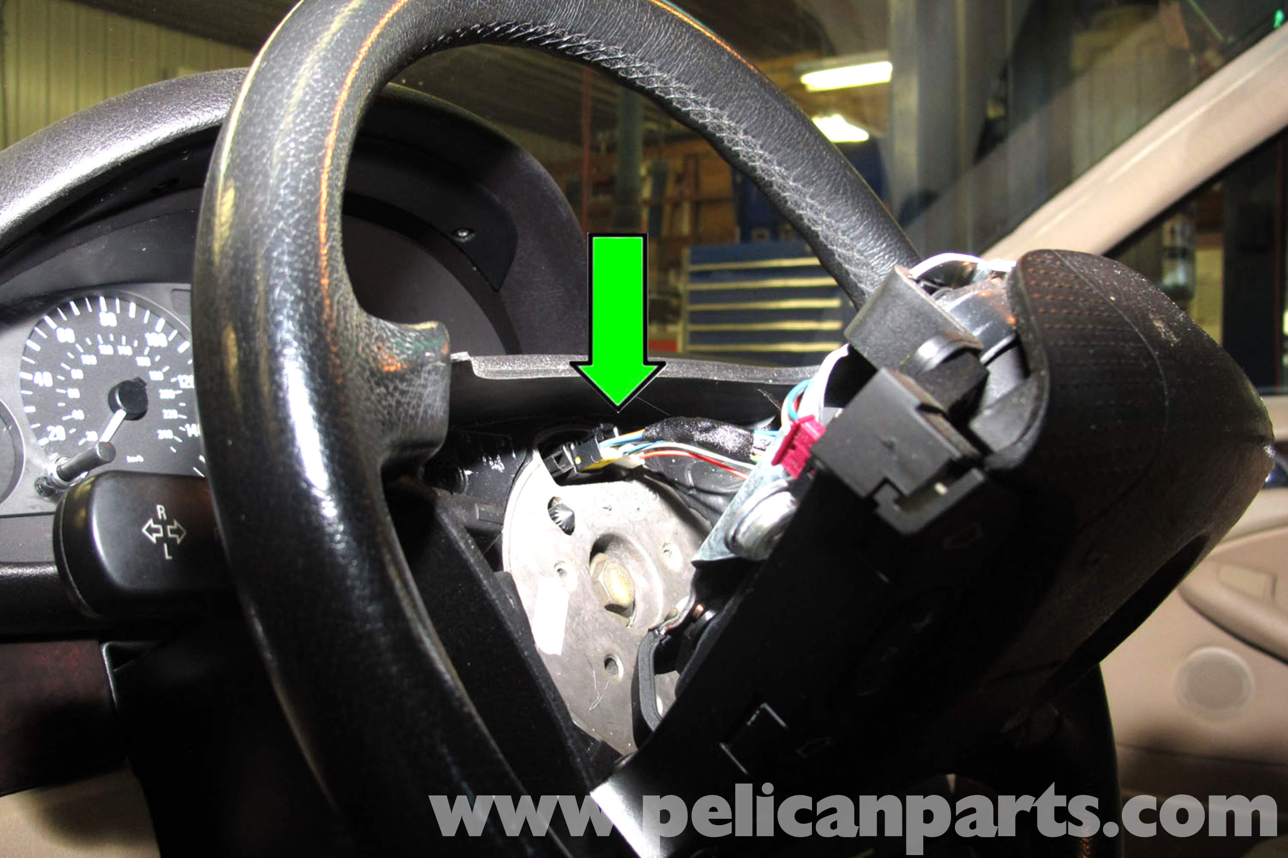 BMW E46 Steering Wheel and Airbag Replacement | BMW 325i (2001-2005