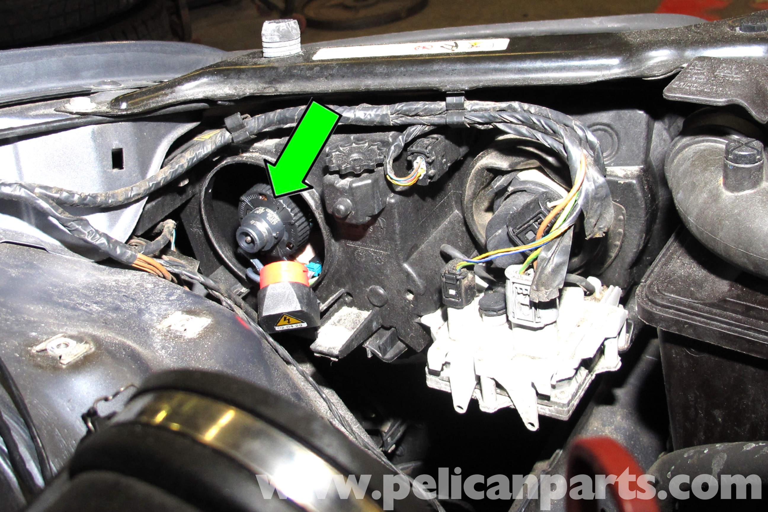 BMW E46 Xenon Headlight Replacement | BMW 325i (2001-2005), BMW ...