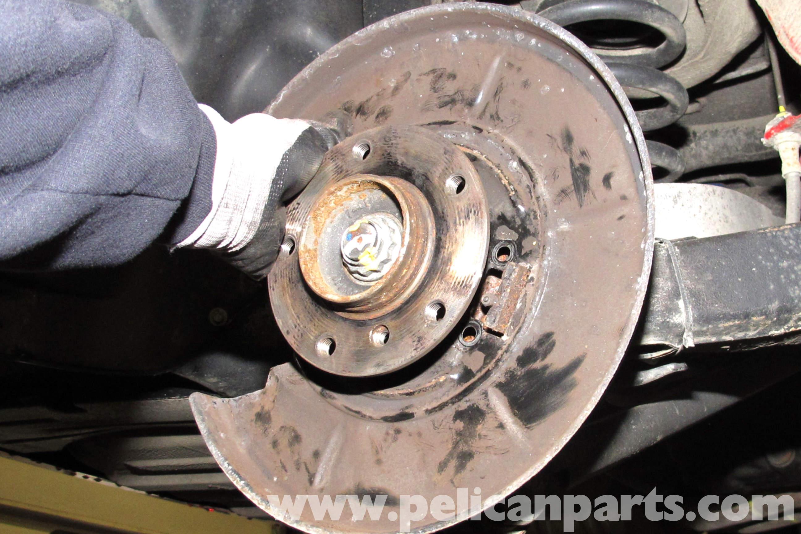 BMW Z3 REAR BRAKE DISC BACKING PLATE SPLASH GUARD SET NEW