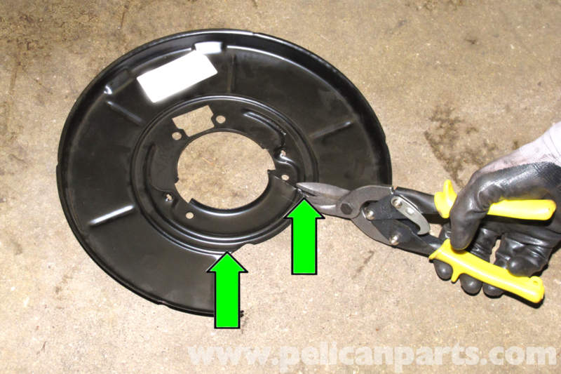 www.pelicanparts.com/BMW/techarticles/BMW-3-Series-E46/97-BRAKES-Parking_Brake_Shoe_Backing_Plate_Replacement/images_small/pic12.jpg