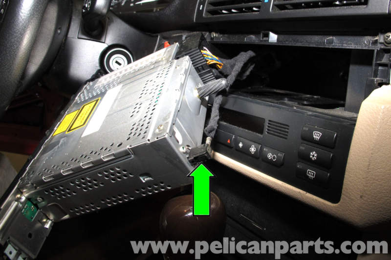 BMW E46 Radio CD Changer Replacement | BMW 325i (2001-2005