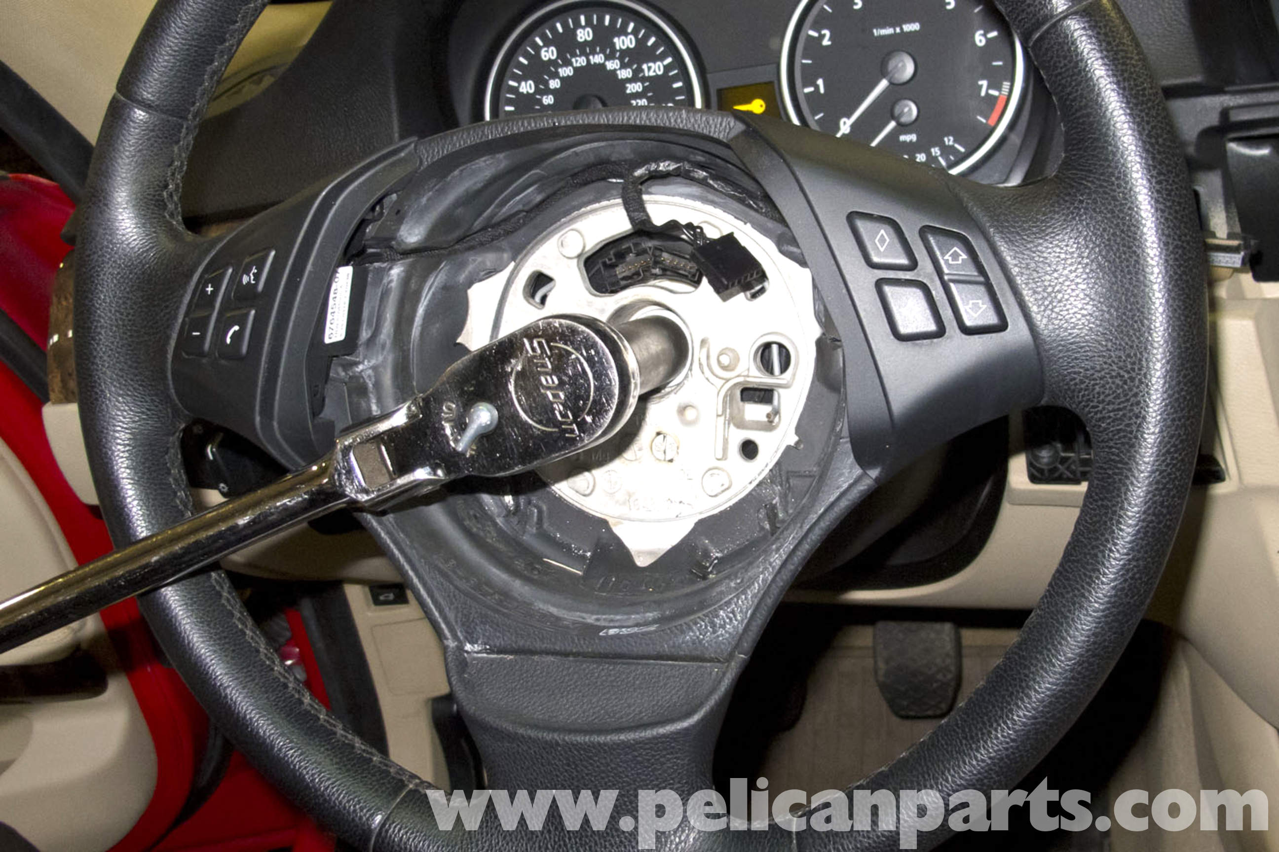 BMW E90 Steering Wheel Replacement | E91, E92, E93 | Pelican