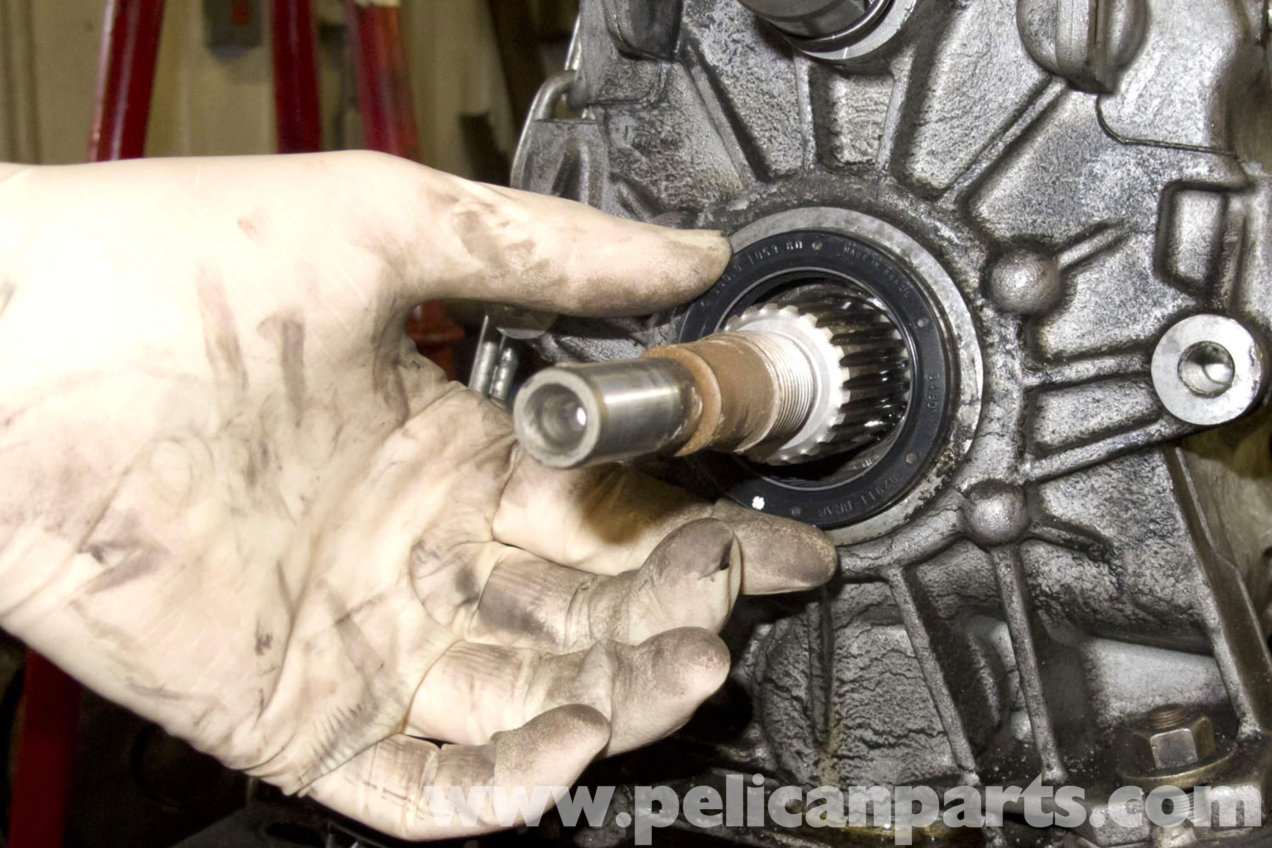 BMW E90 Output Shaft Seal Replacement | E91, E92, E93 | Pelican