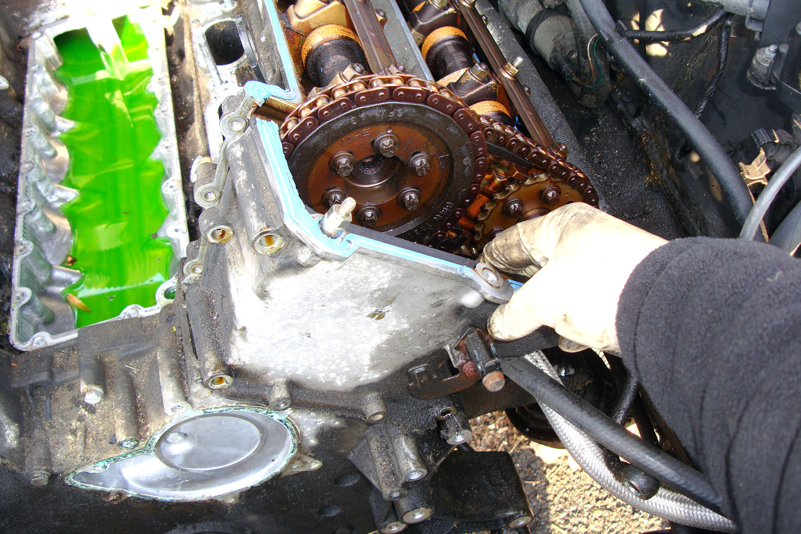 BMW E39 5-Series Timing Chain Guides Removal | 1997-2003 ...