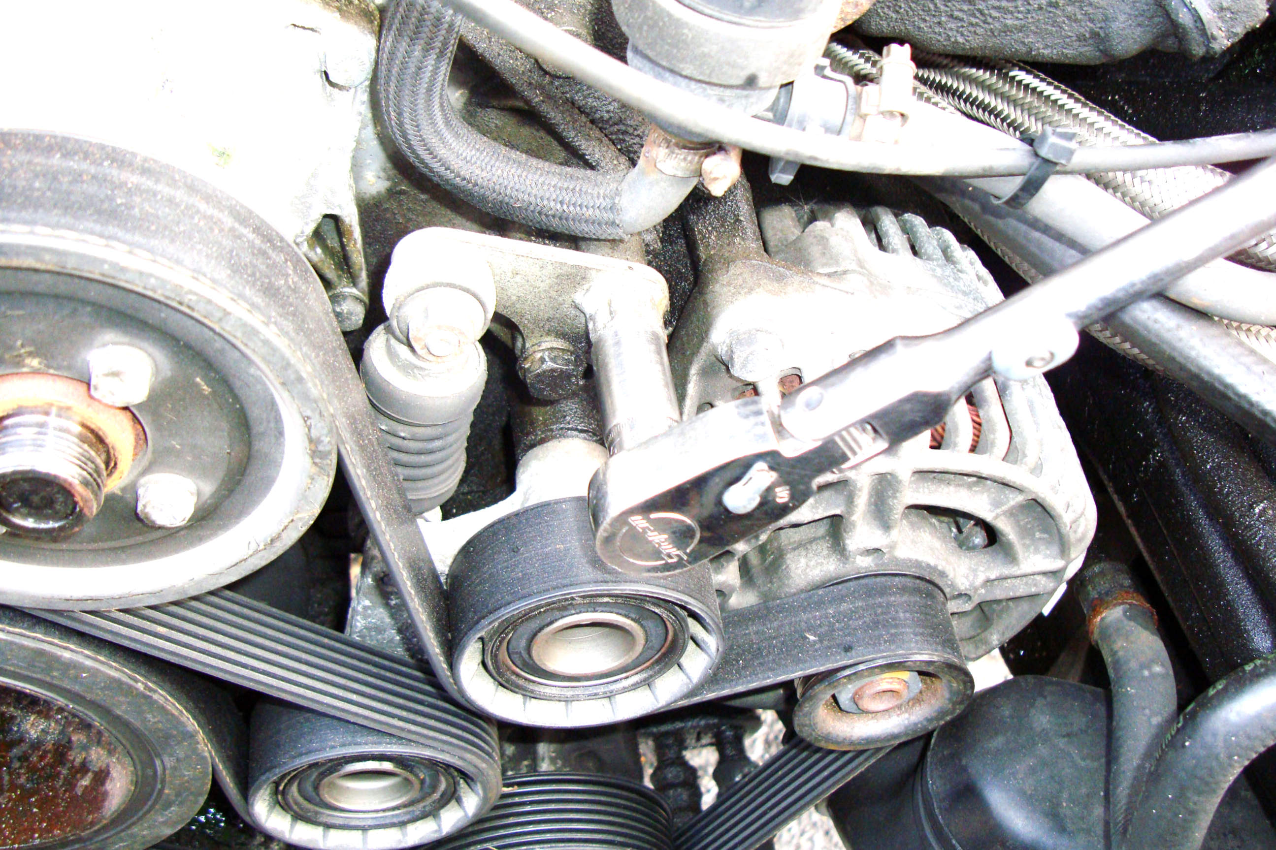 bmw e39 5 series tensioner and pulleys removal 1997 2003. Black Bedroom Furniture Sets. Home Design Ideas