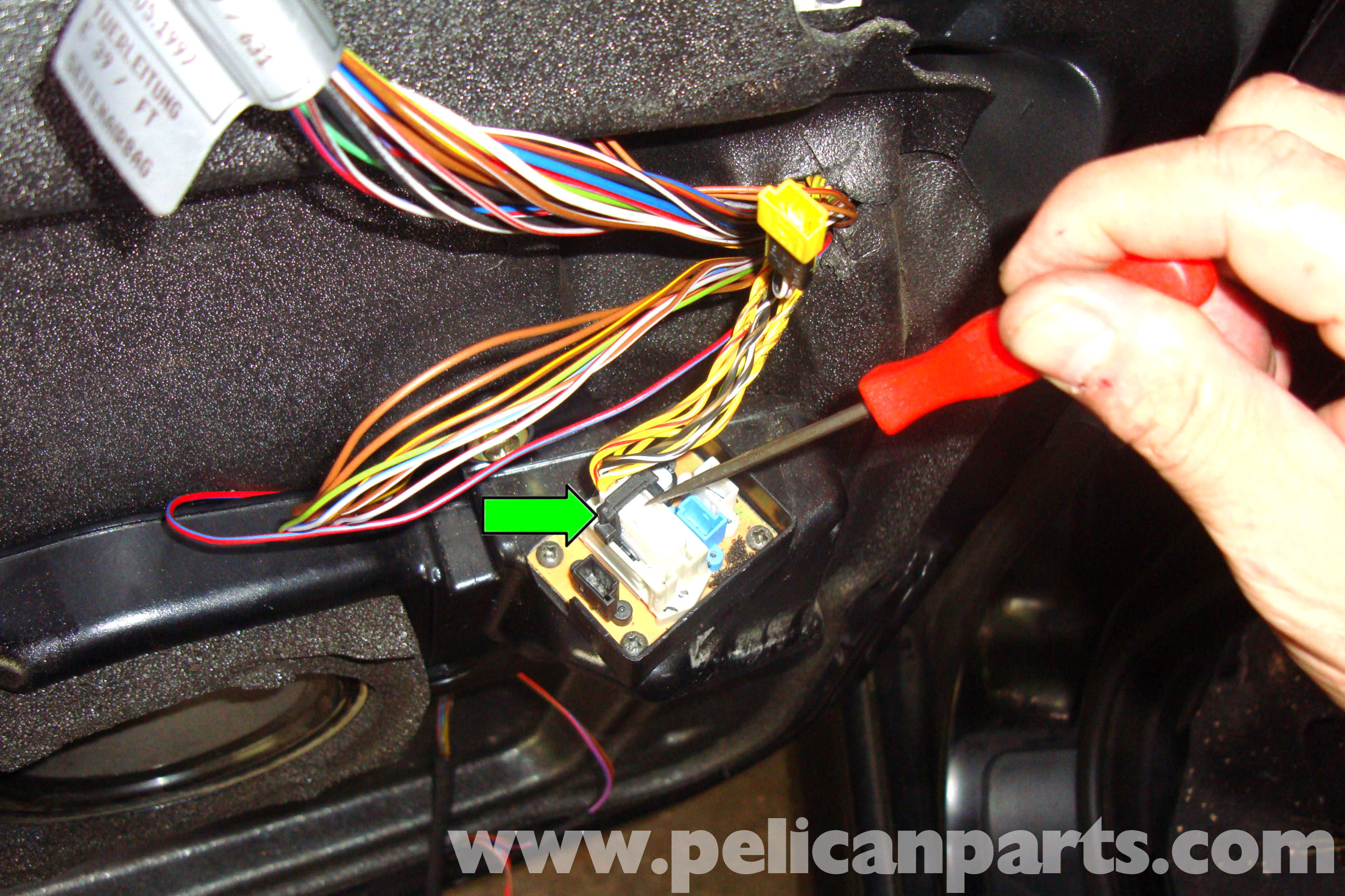 BMW E39 5-Series Door Latch Replacement  1997-2003 525i, 528i, 530i ...