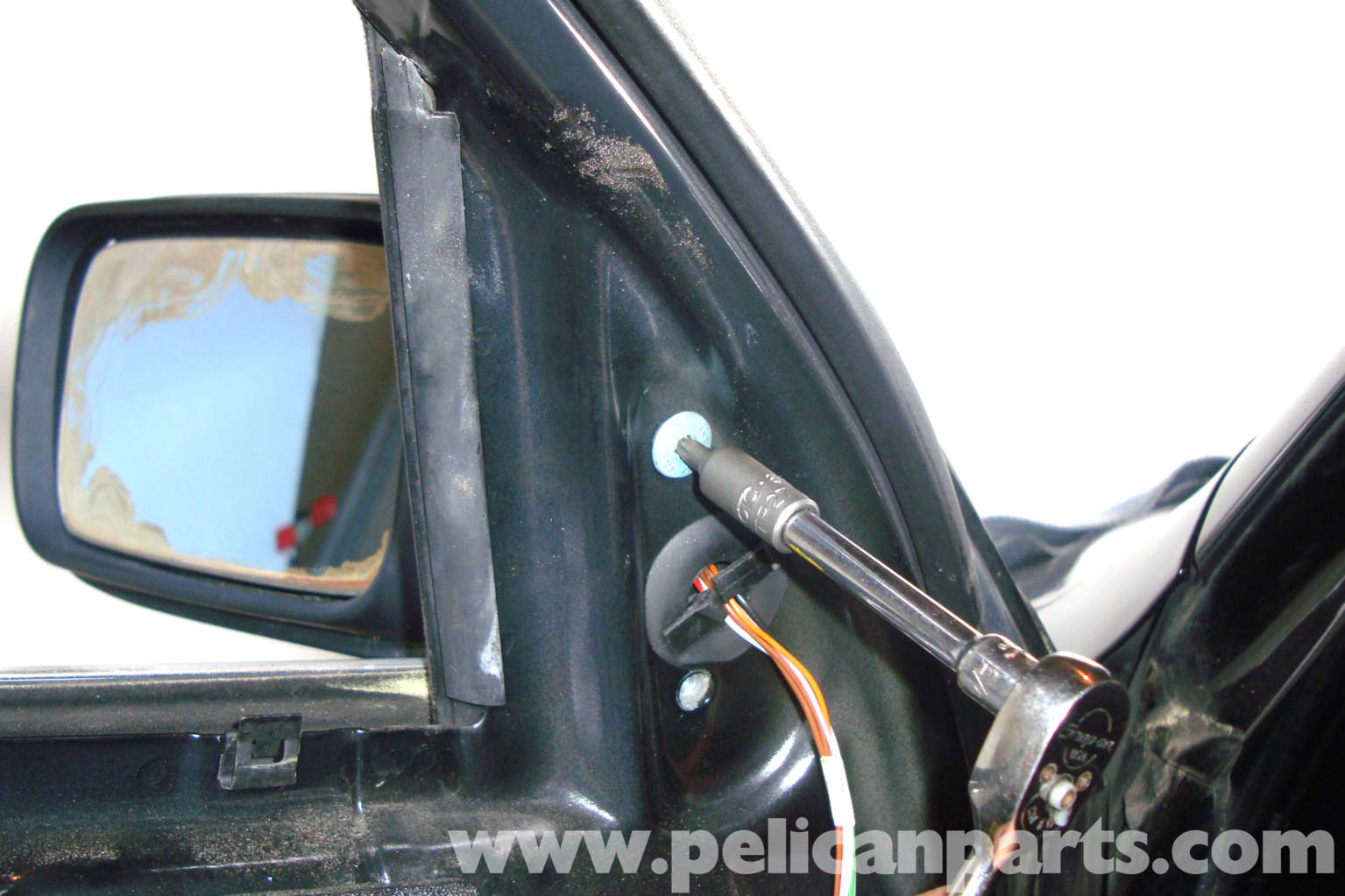 Bmw Exterior: BMW E39 5-Series Exterior Mirror Replacement