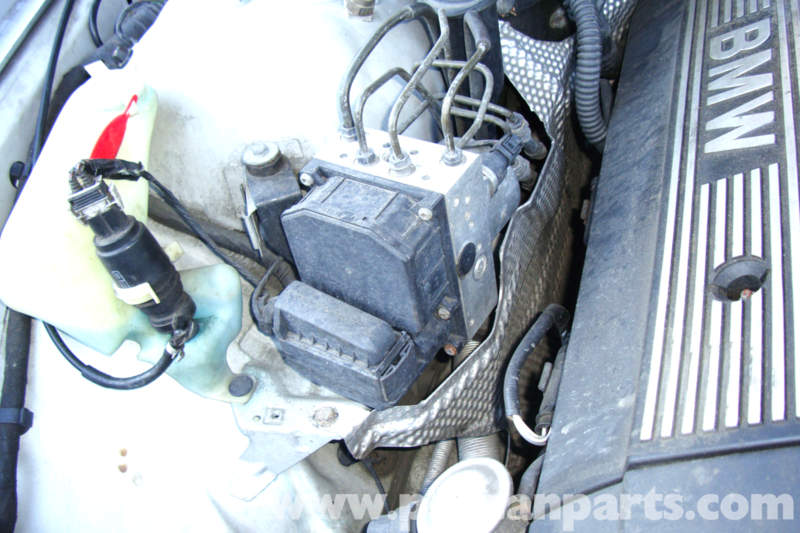 Attachment moreover Nissan Sunny furthermore Ene Blok Salon likewise Attachment further En Dodge Durango Blok Kapot. on bmw abs module connector