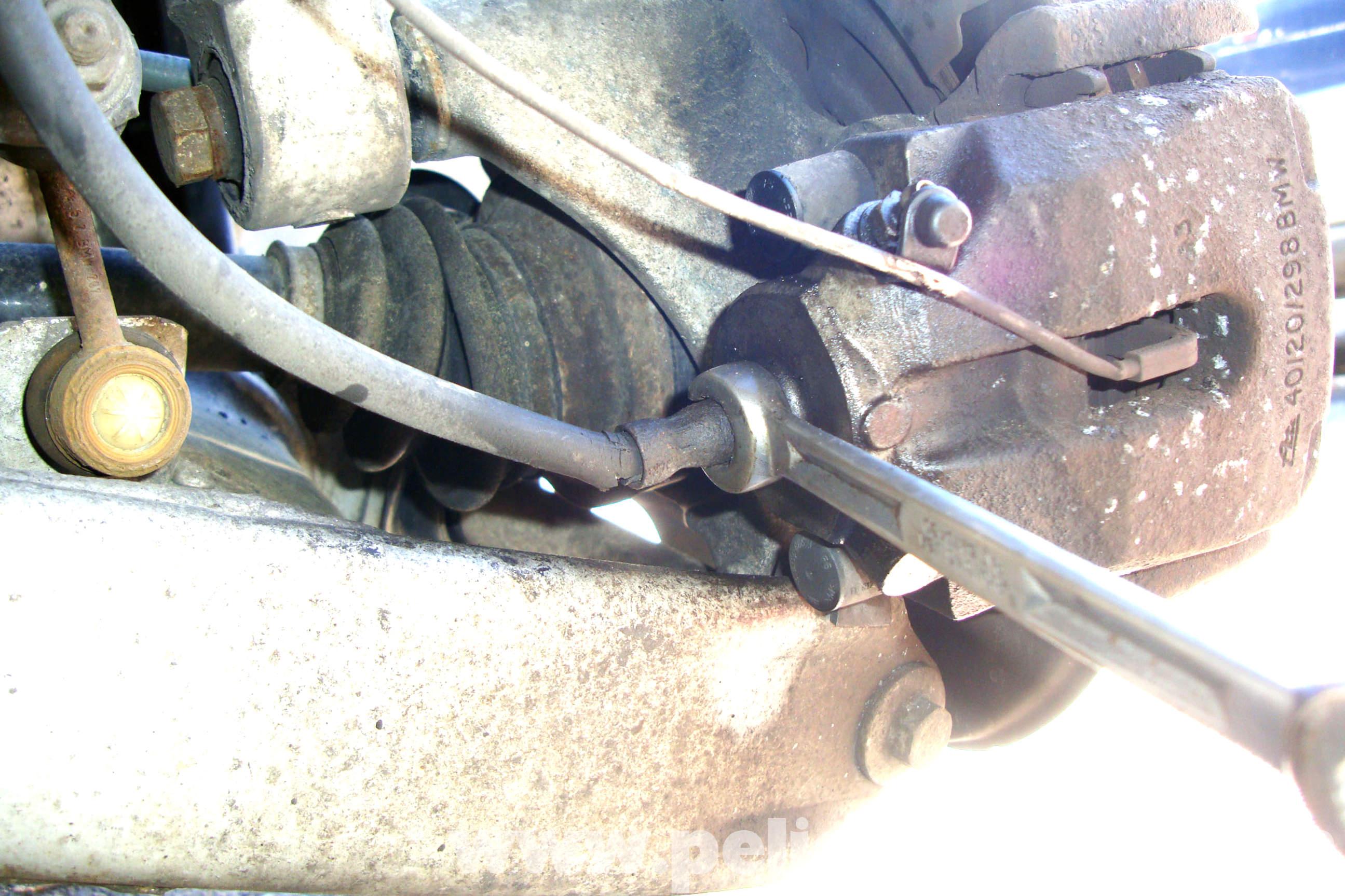 Brake Line Repair : Bmw e series brake line replacement i