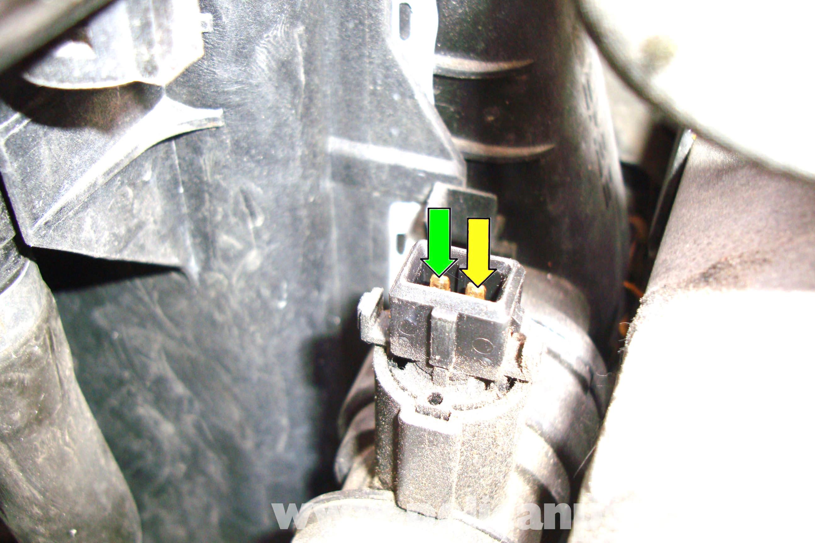 bmw e39 5 series radiator outlet temperature sensor removal 1997 2003 525i 528i 530i 540i. Black Bedroom Furniture Sets. Home Design Ideas