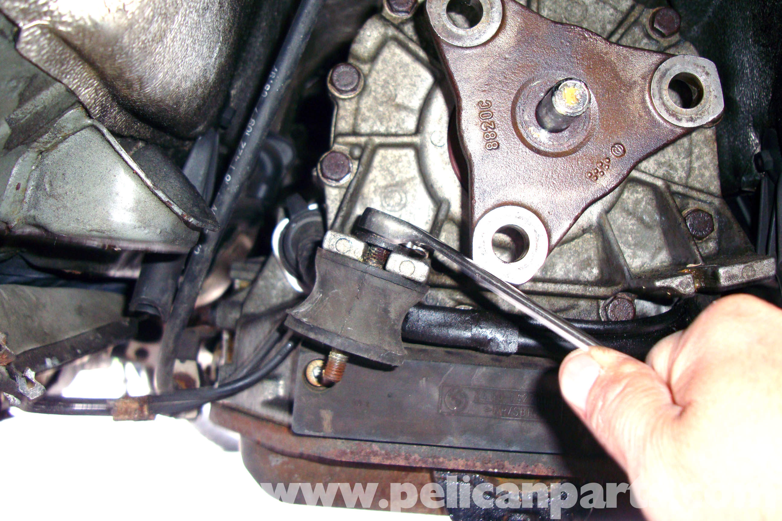 bmw e39 5 series transmission mount replacement 1997 2003 525i rh pelicanparts com BMW E39 Manual PDF E39 Repair Manual
