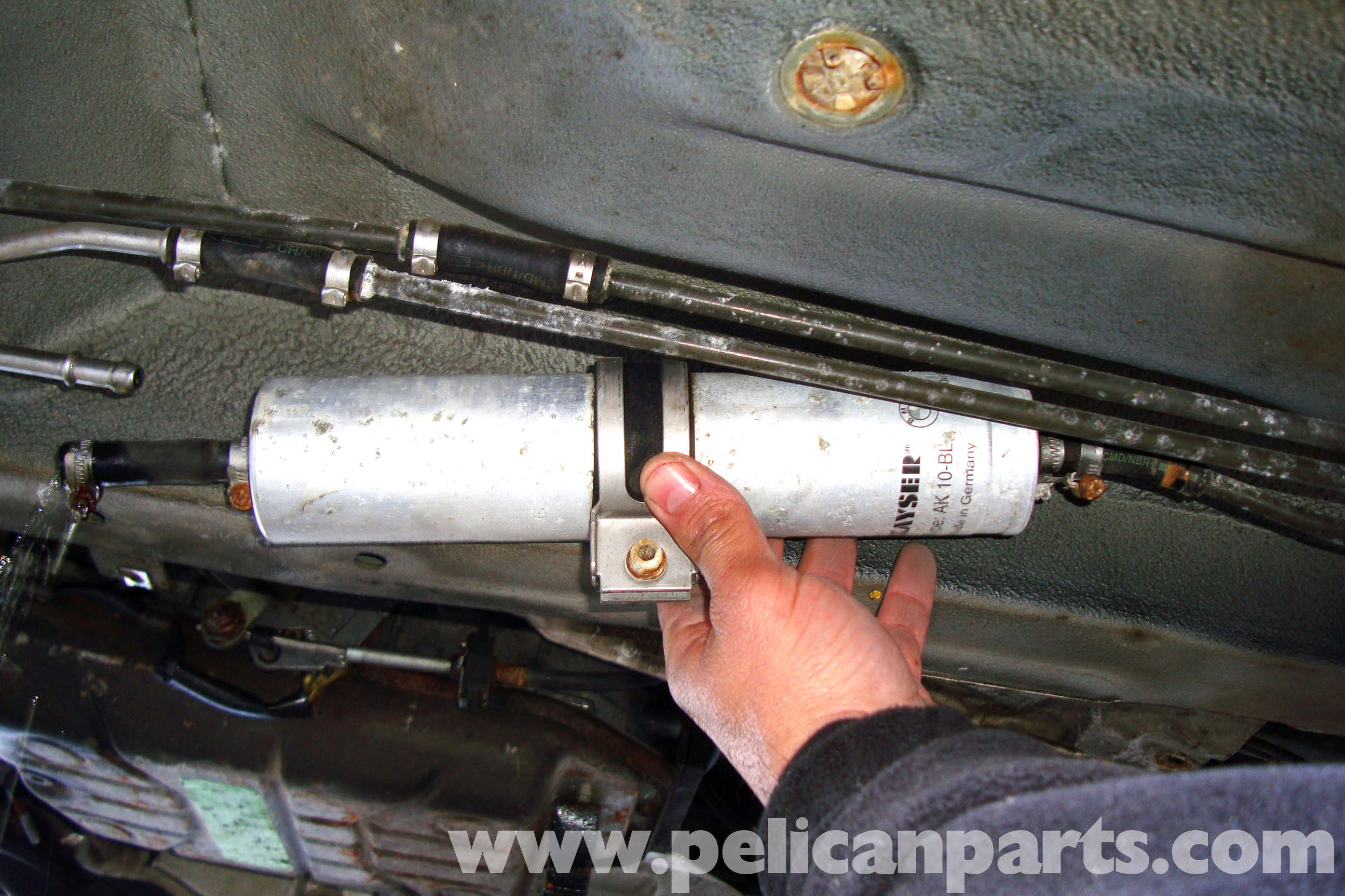 BMW E39 5-Series Fuel Filter Replacement | 1997-2003 525i, 528i