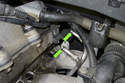 Once the fuel rail is removed, inspect the condition of the fuel line sealing O-rings (green arrows).