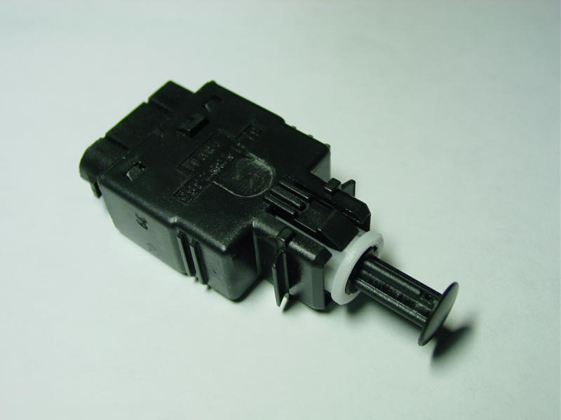 pic7 bmw e30 e36 brake pedal switch replacement 3 series (1983 1999 BMW E30 Builds at readyjetset.co