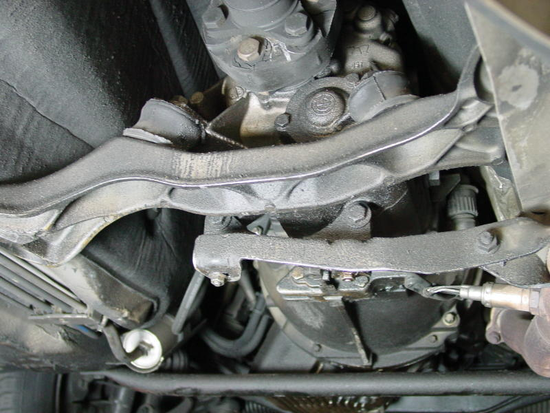BMW E36 3-Series Transmission Mount Replacement (1992 ...