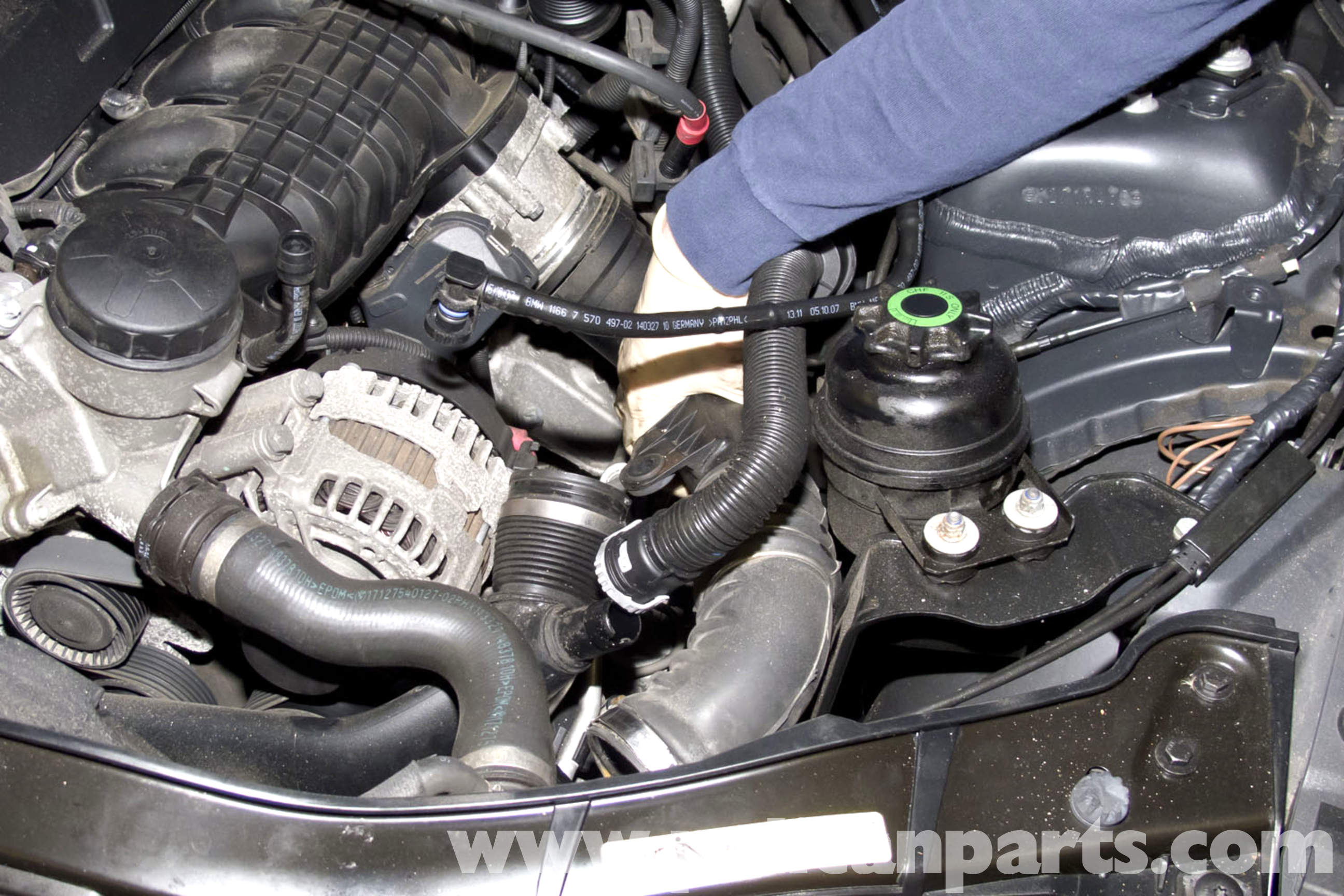 Bmw E90 Power Steering Reservoir Replacement E91 E92 E93 Detailed Bracketry Installation Diagram Large Image Extra