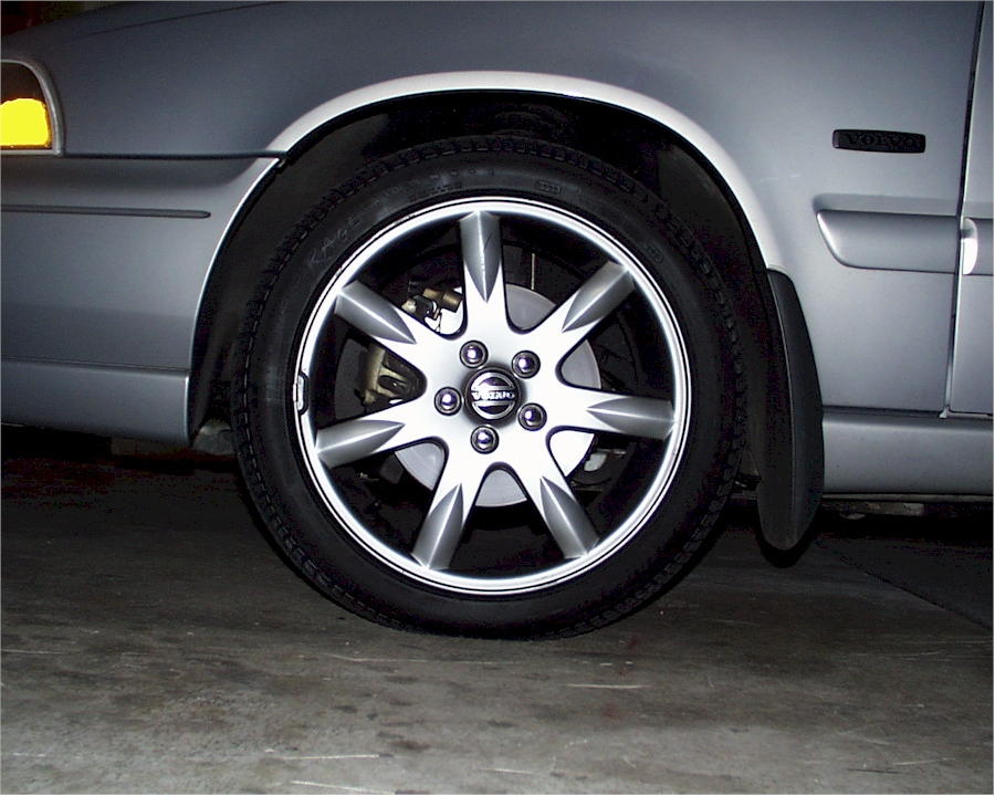 "Volvo 16"" rim vs. 17"" rims"