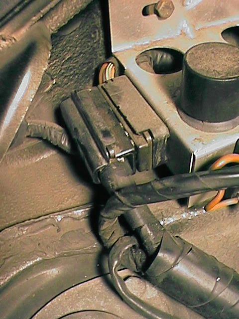 pelican technical article 911 engine removal made easy rh pelicanparts com 1974 porsche 911 engine wiring diagram Porsche 911 Engine Bay
