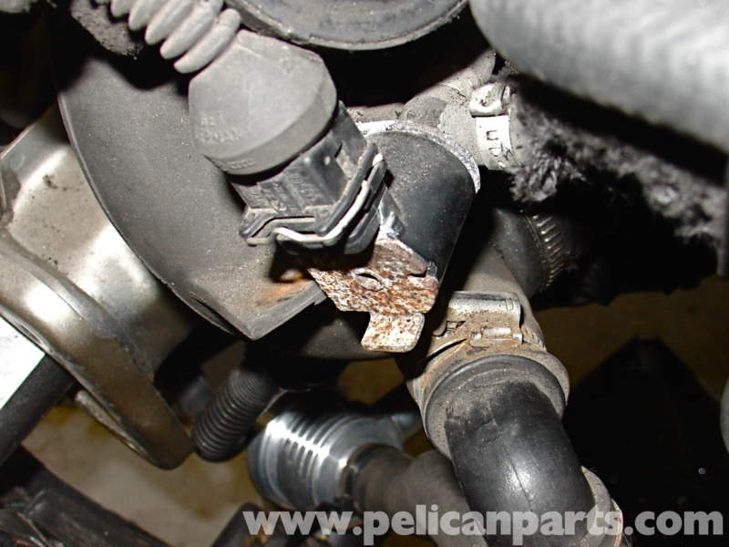 Audi A4 Fuel Pump Wiring Diagram additionally Volkswagen Jetta Radiator Location also 2001 Ford Ranger Egr Location besides Toyota Dvd Player Sienna as well Vw Jetta Wrench Light. on 2002 audi a4 wiring diagram