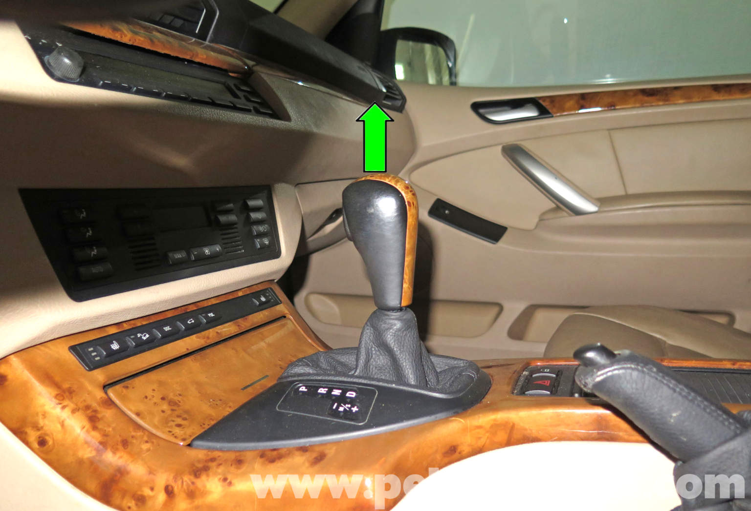 pelican technical article bmw x5 center console replacement e53. Black Bedroom Furniture Sets. Home Design Ideas