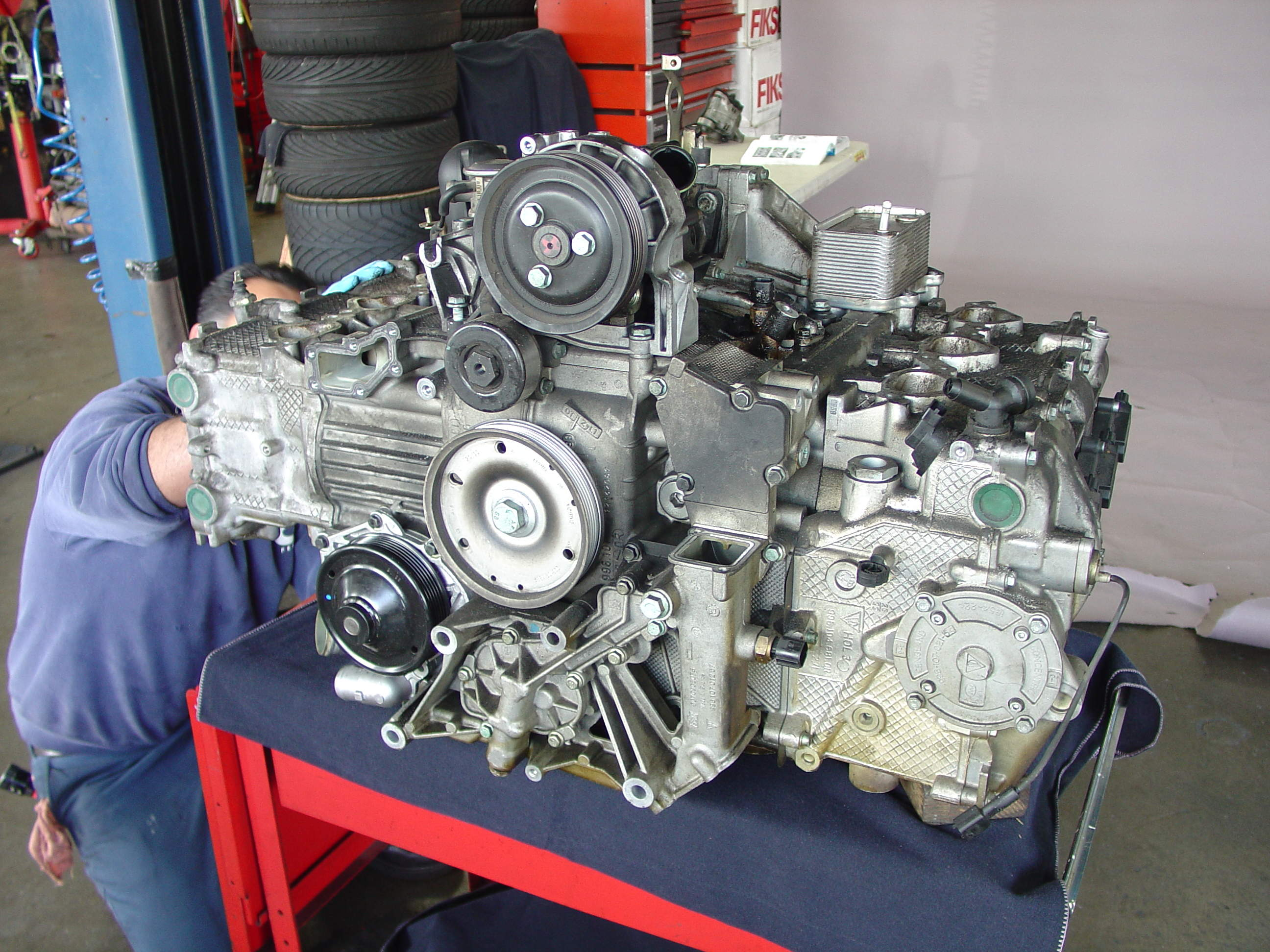 pelican technical article porsche boxster 996 engine teardown large image