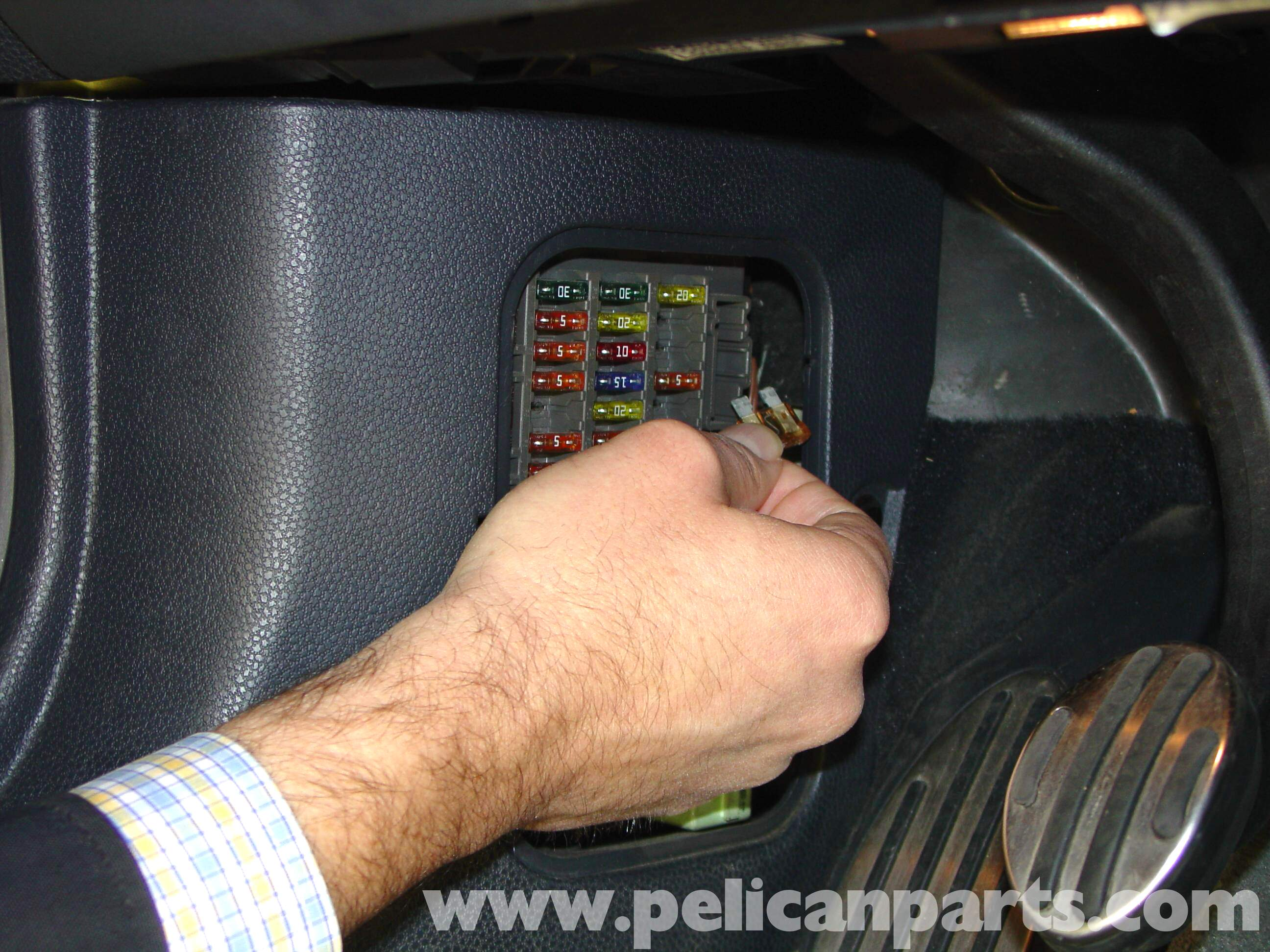 pic03 pelican technical article installing performance software r50 2013 mini cooper fuse box location at webbmarketing.co