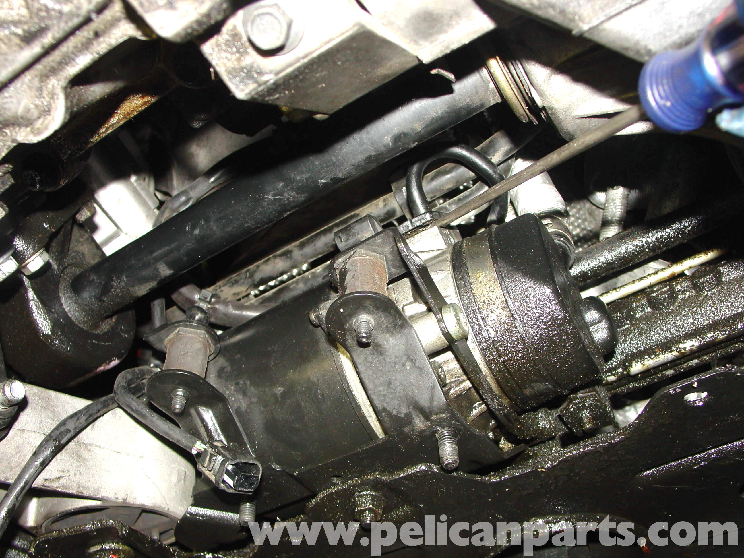 pic08 pelican technical article power steering pump replacement r50 Mini Cooper Transmission Wiring Harness at bakdesigns.co
