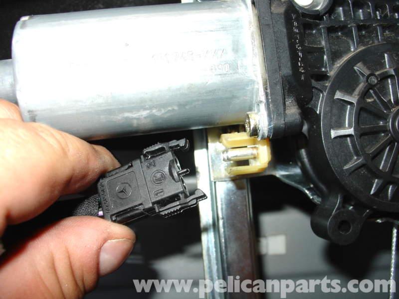 Mercedes benz w210 window regulator replacement 1996 03 for Mercedes benz window regulator
