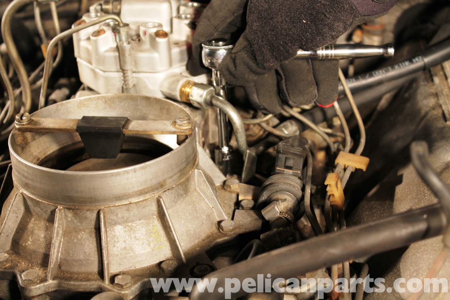 Mercedes benz r107 fuel distributor replacement 1972 for Fuel distributor for mercedes benz