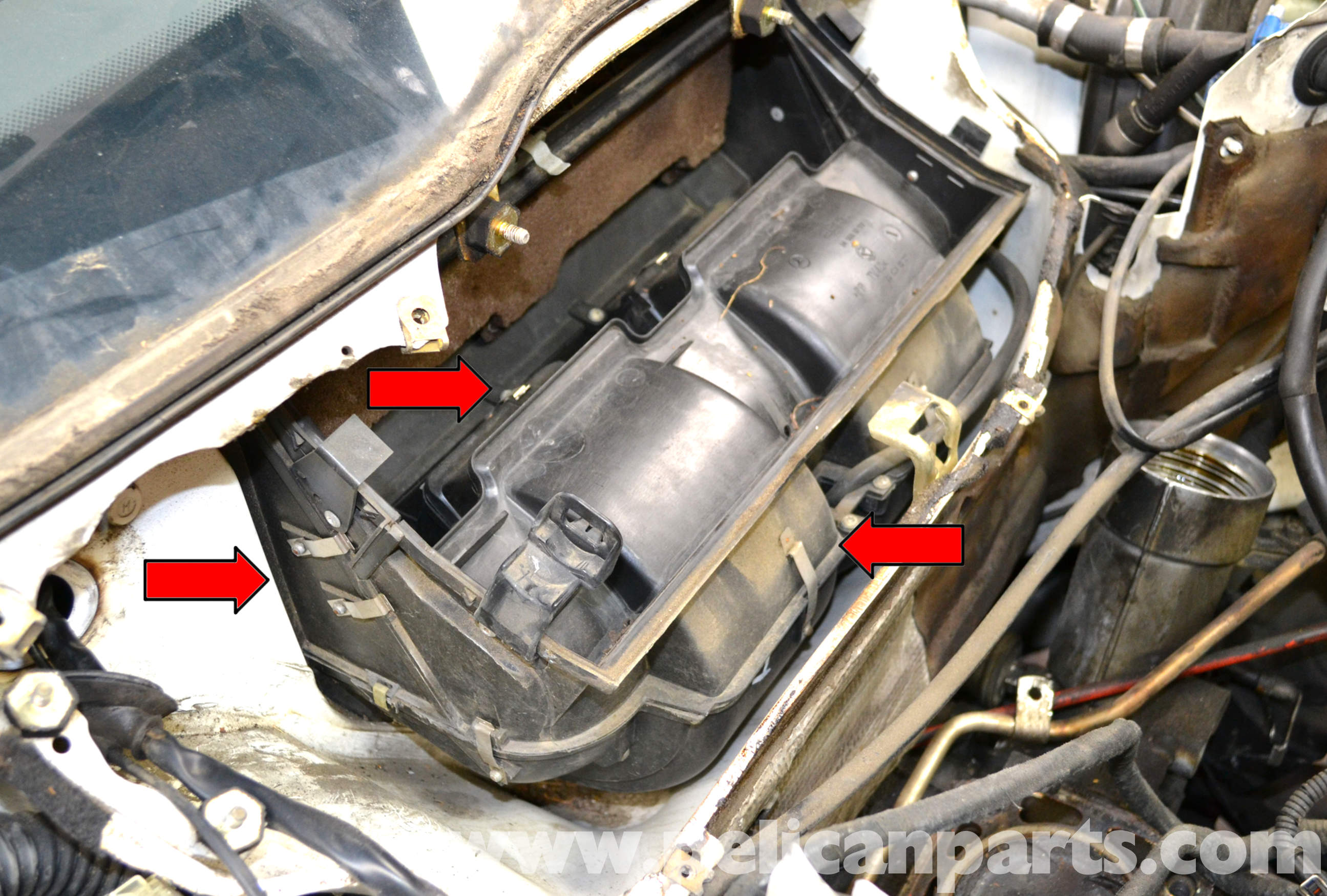Mercedes benz w124 blower motor replacement 1986 1995 e for Replacement parts for mercedes benz
