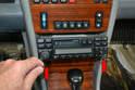 Como retirar o rádio da 230E sem machucar o painel?? Pic05