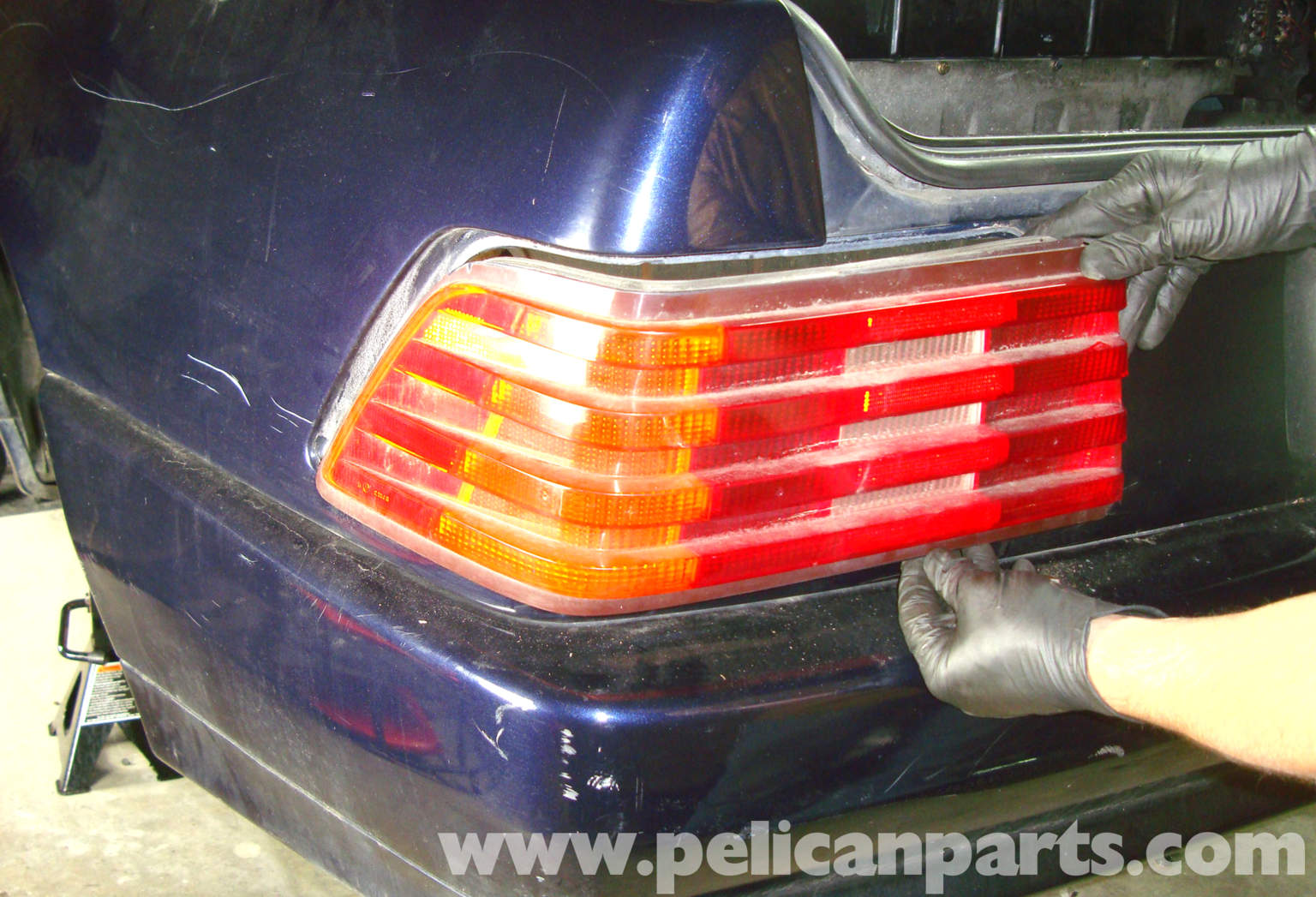 Pelican technical article mercedes benz w129 r129 for Mercedes benz tail light lens