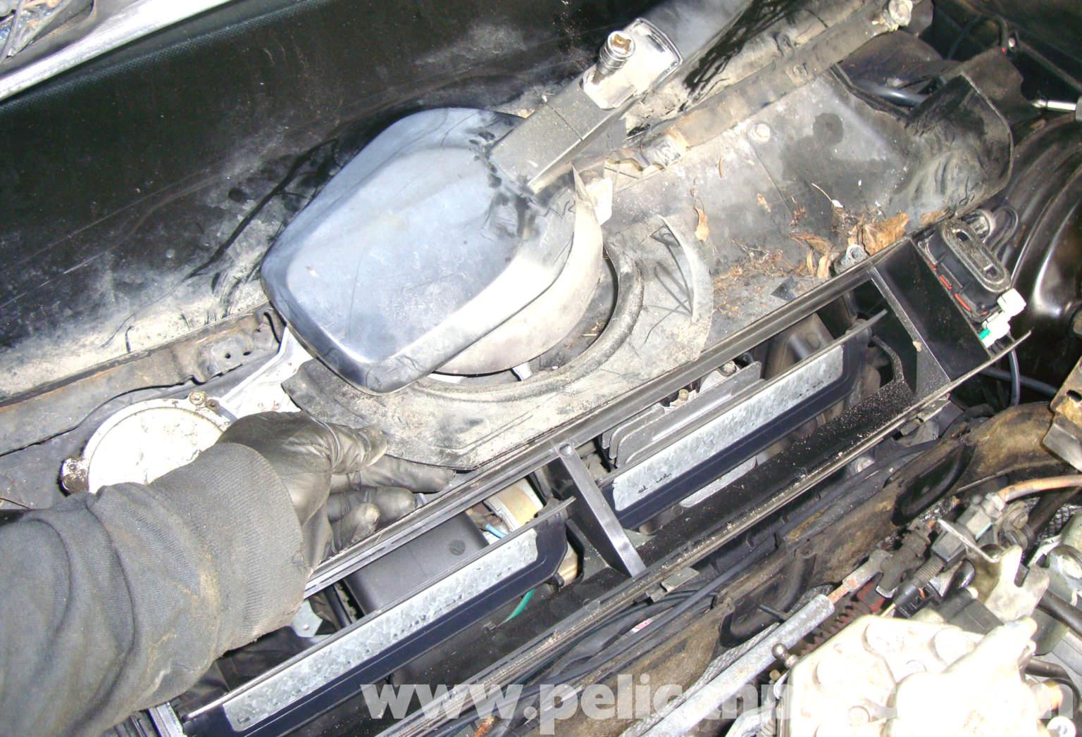 Mercedes benz r129 windshield wiper motor replacement for Mercedes benz windshield wipers
