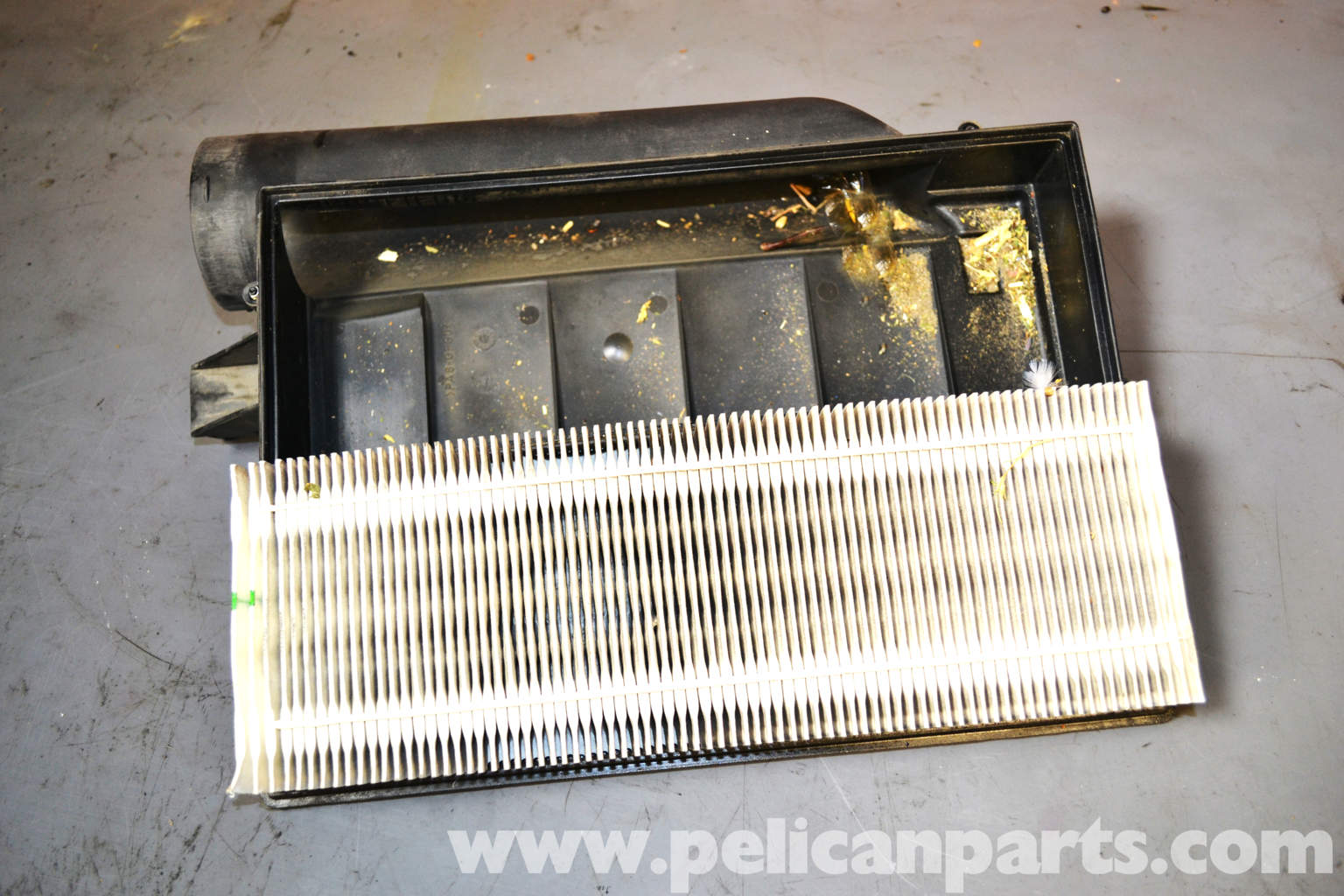 Mercedes benz w203 air filter replacement 2001 2007 for Mercedes benz c230 battery replacement