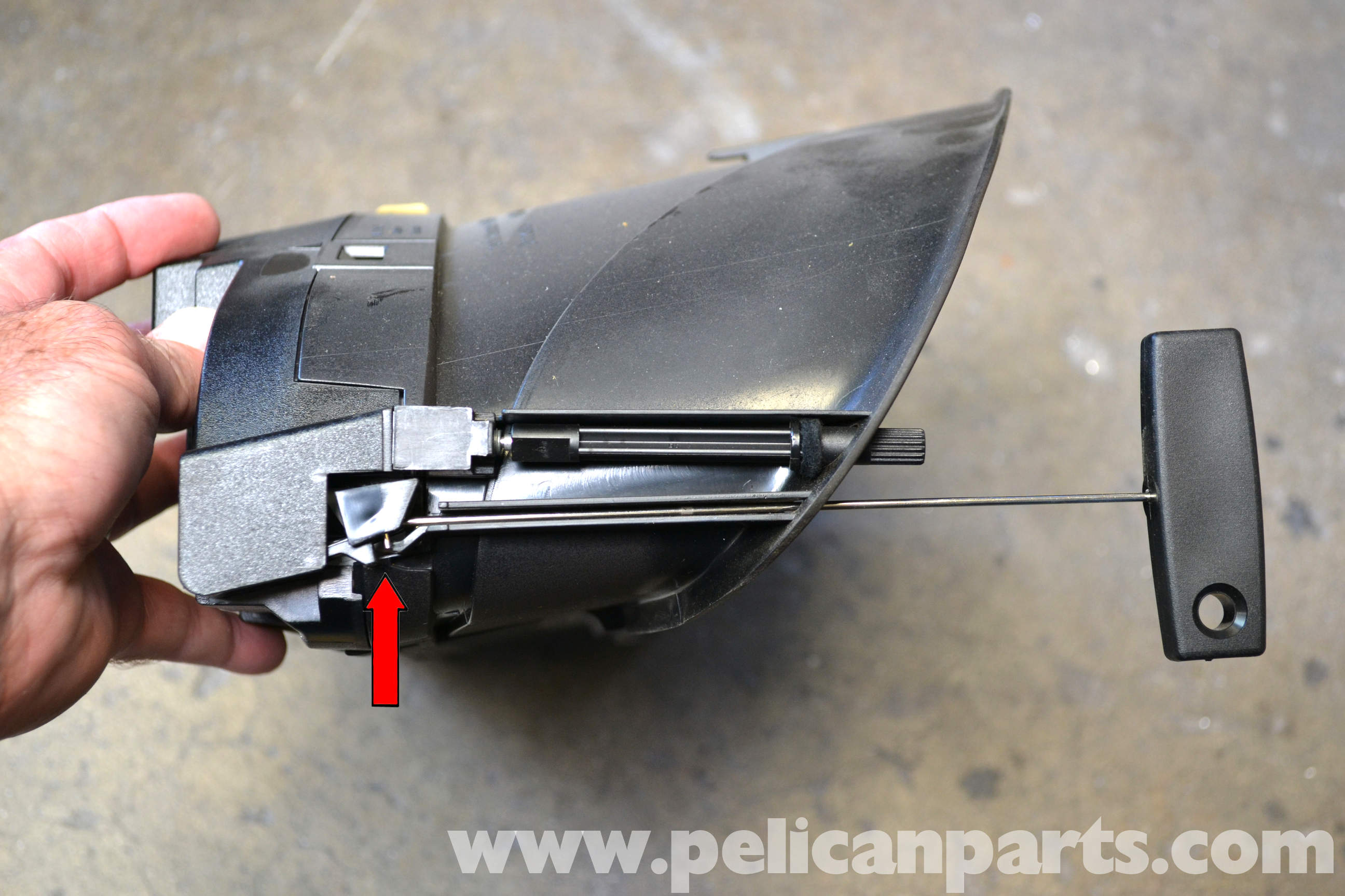 Mercedes benz w203 instrument cluster removal 2001 2007 for Mercedes benz tools