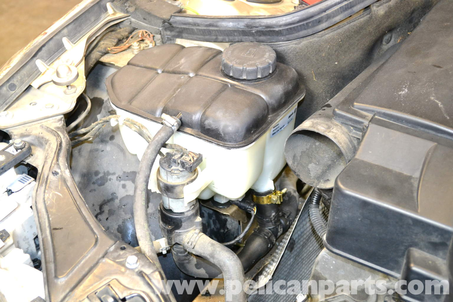 Mercedes benz w203 coolant expansion tank replacement for Mercedes benz coolant